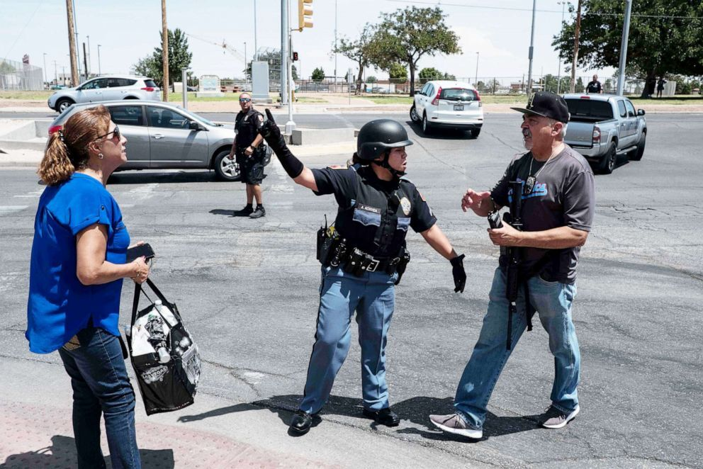 Law enforcement agencies respond to an active shooter at a Wal-Mart near Cielo Vista Mall in El Paso, Texas, Aug. 3, 2019 (Joel Angel Juarez/AFP/Getty Images).