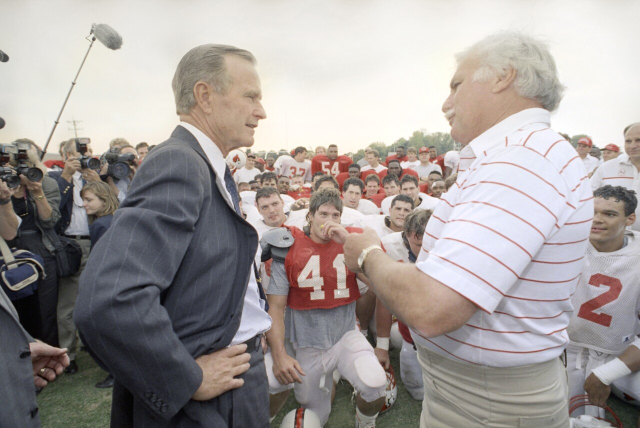 Howard Schnellenberger meets with President George H.W. Bush in 1991
