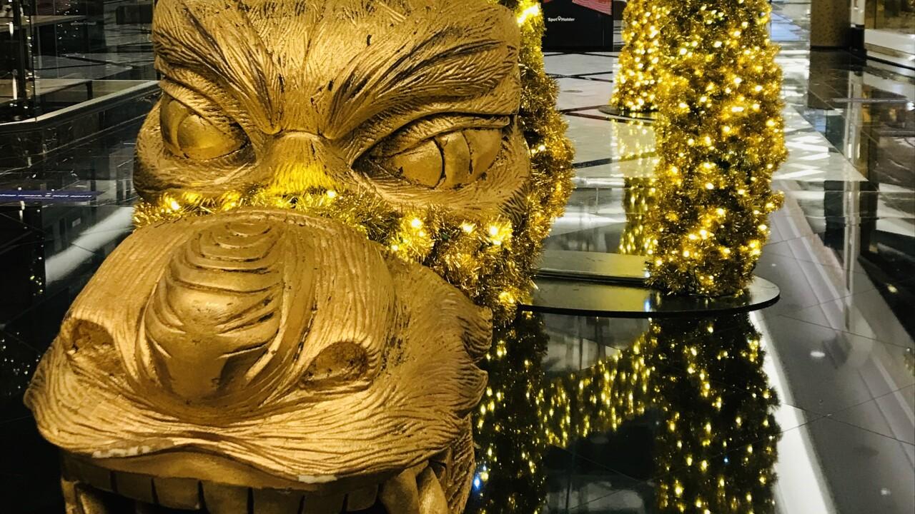 Sparkling Golden Dragon at Grand Canal Shoppes at The Venetian Resort.jpg