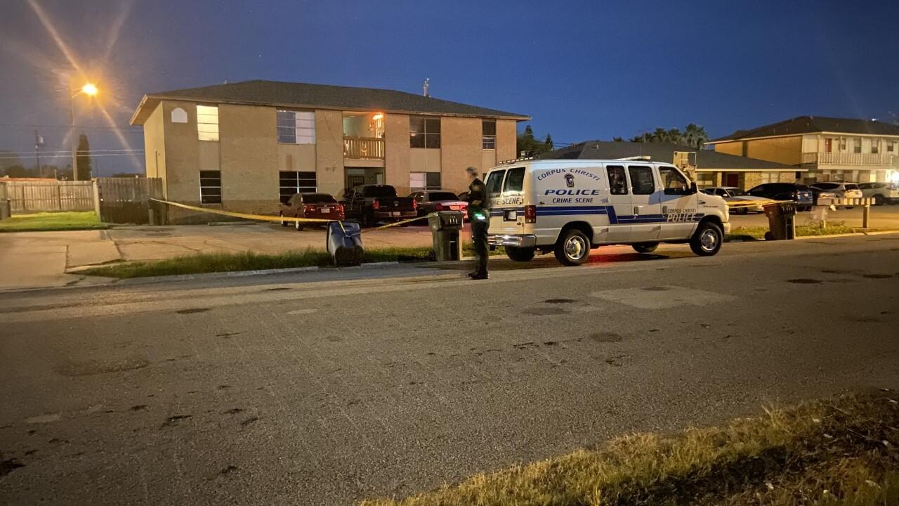 Man shot after Flour Bluff robbery attempt