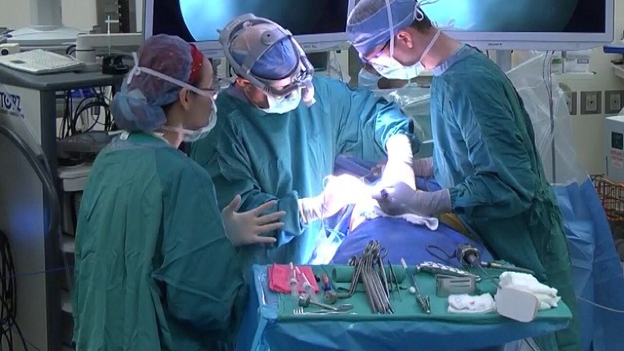 Surgeon will perform lung cancer surgery live on Facebook