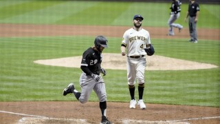 White Sox Brewers Baseball