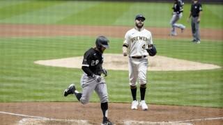 White Sox Brewers Baseball