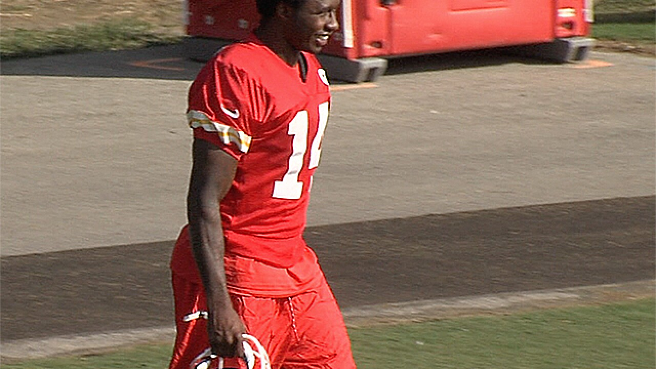 Minus the dreadlocks, new Chiefs wide receiver Sammy Watkins takes field