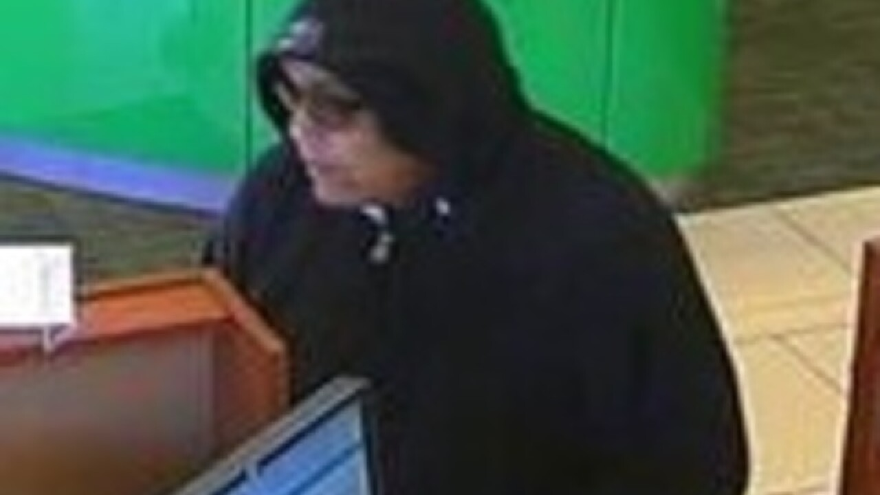 Bank teller halts robbery attempt