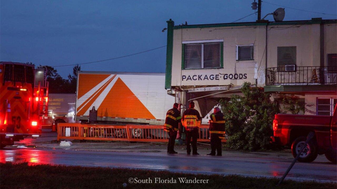 WPTV-Desert-Inn-crash-122219-05.jpg