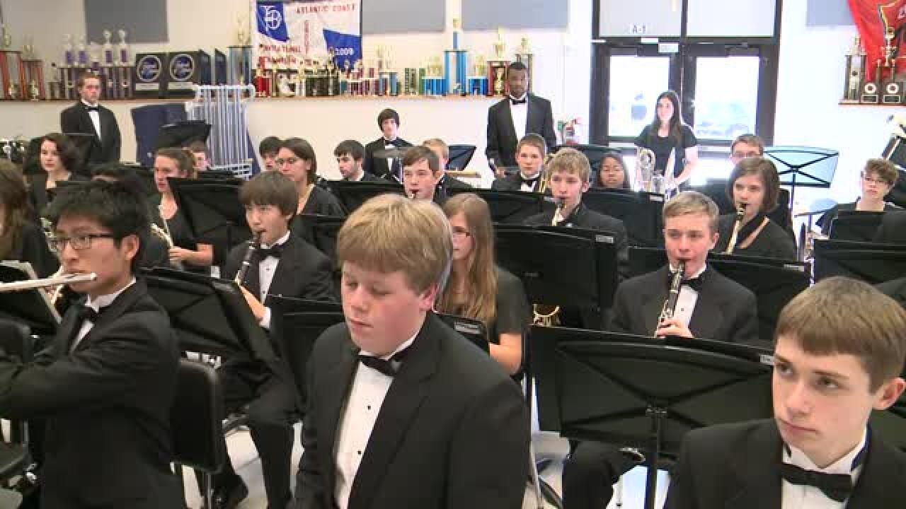 York HS – SymphonicWinds