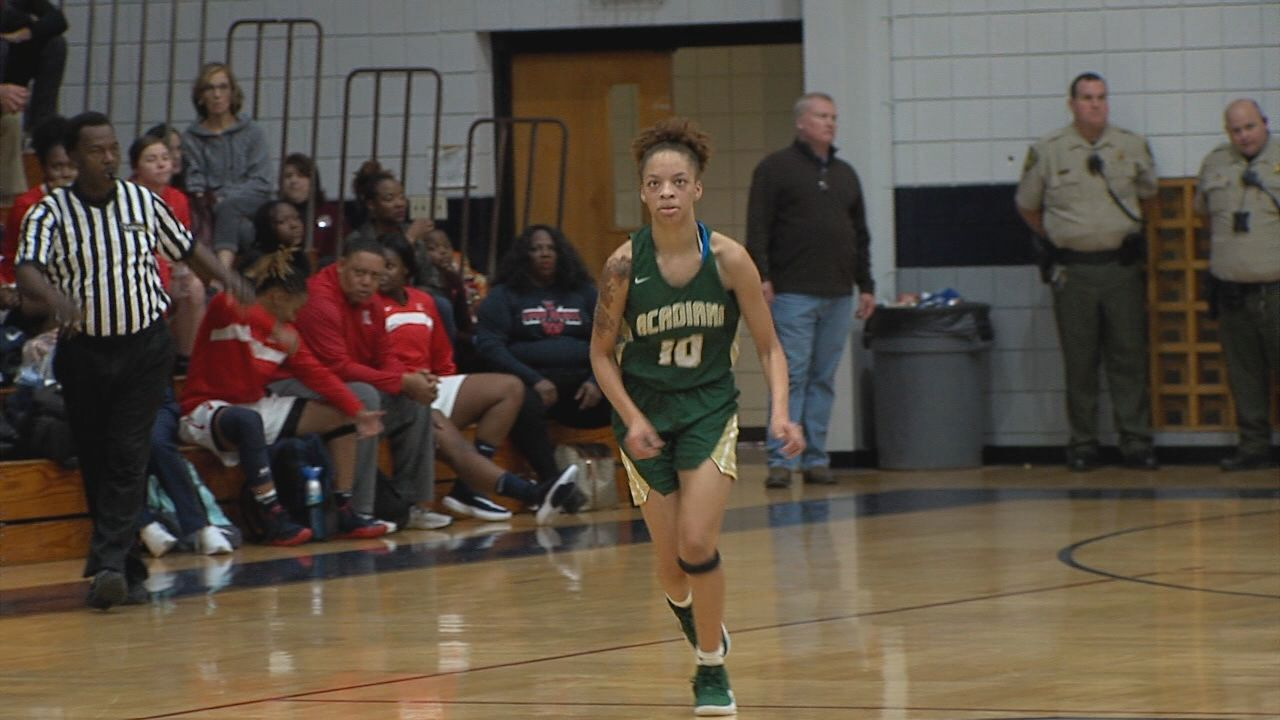 Acadiana Defeats STM 42-41 To Open Lady Cougar Classic