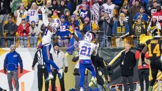 Fans flood Buffalo Niagara International Airport to greet the Bills as they return from Pittsburgh