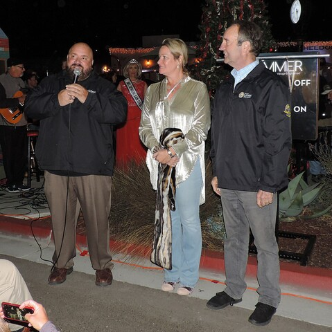 'La Mesa Shimmer' holiday lighting ceremony