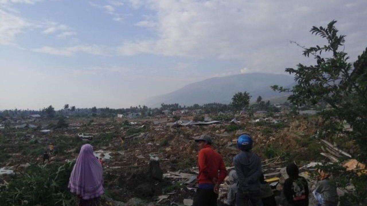 Indonesia tsunami: Death toll rises sharply as desperation grows