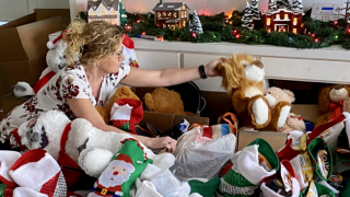 San Carlos couple to deliver stockings, gift bags to the homeless