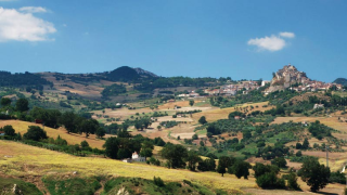 You could get $27,700 if you move to an underpopulated region in Italy