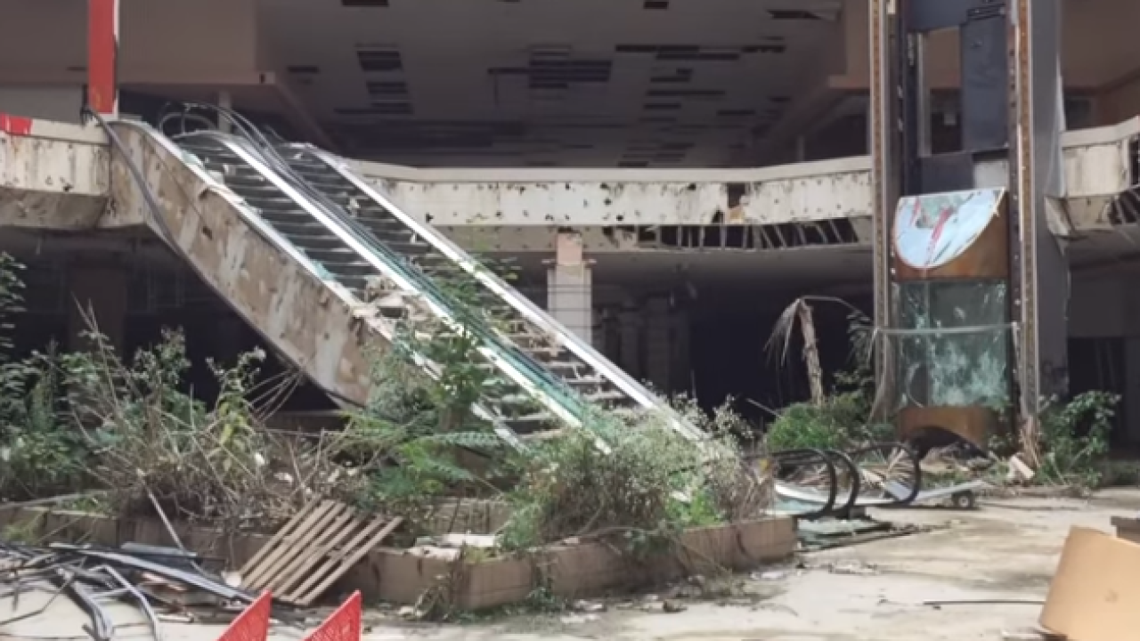 Drone video captures an inside look at abandoned Ohio mall