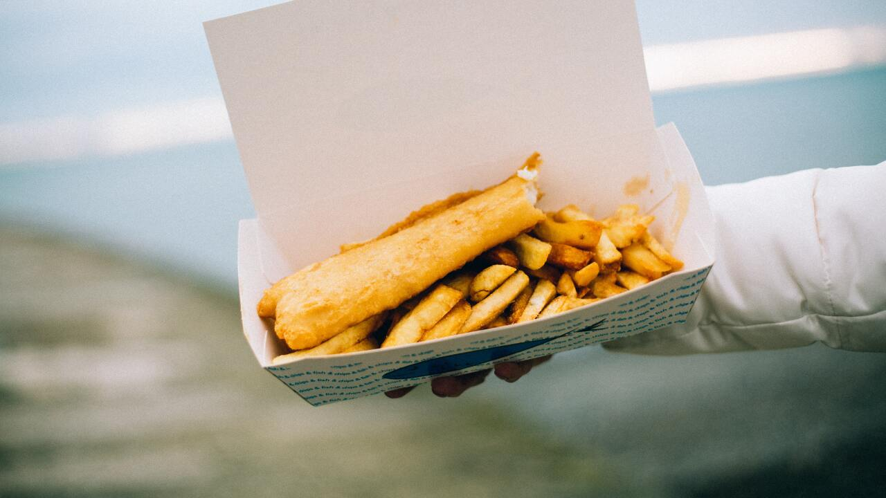 delicious-fish-and-chips-food-775480.jpg