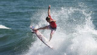 Kolohe Andino advances straight to round 3 in inaugural Olympic surfing contest