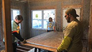 Akron teens fix up Summit Lake neighborhood