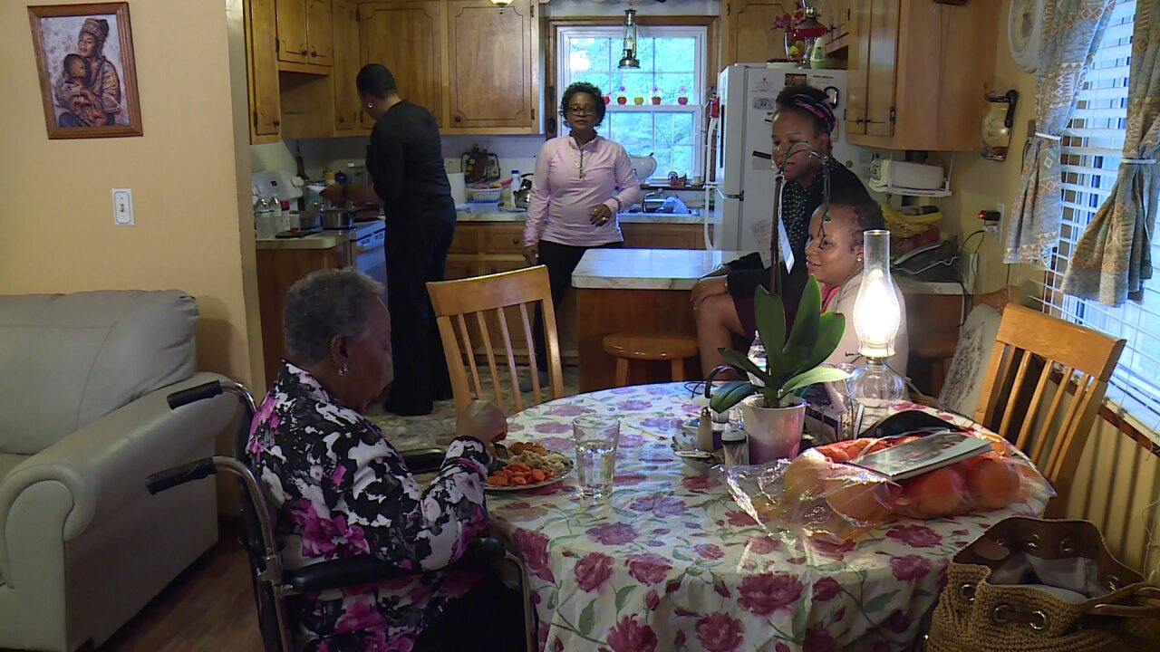 4 family members, over 3 generations, diagnosed with breastcancer