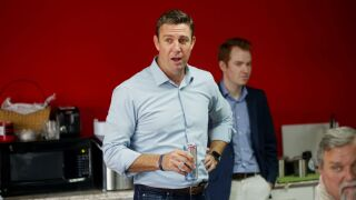 Duncan Hunter Brings Pizzas To Campaign Volunteers On Election Day