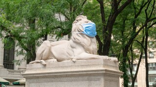 New York Public Library adds coronavirus masks to famous lion statues