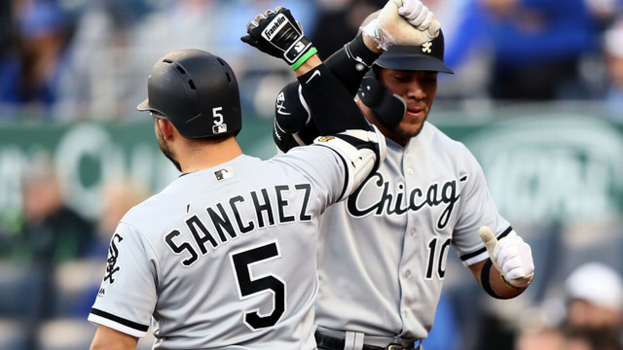 White Sox erase 6-run deficit, rally for 7-6 win over Royals