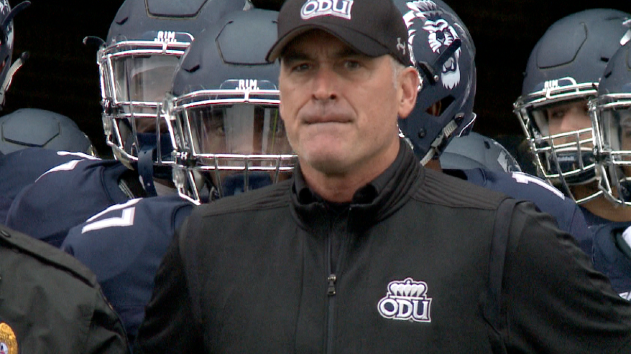 ODU football signs class of 23 during early signing period