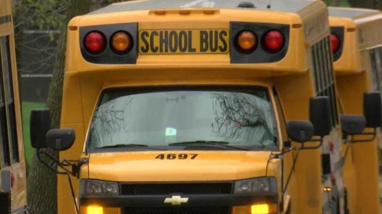 milwaukee school buses