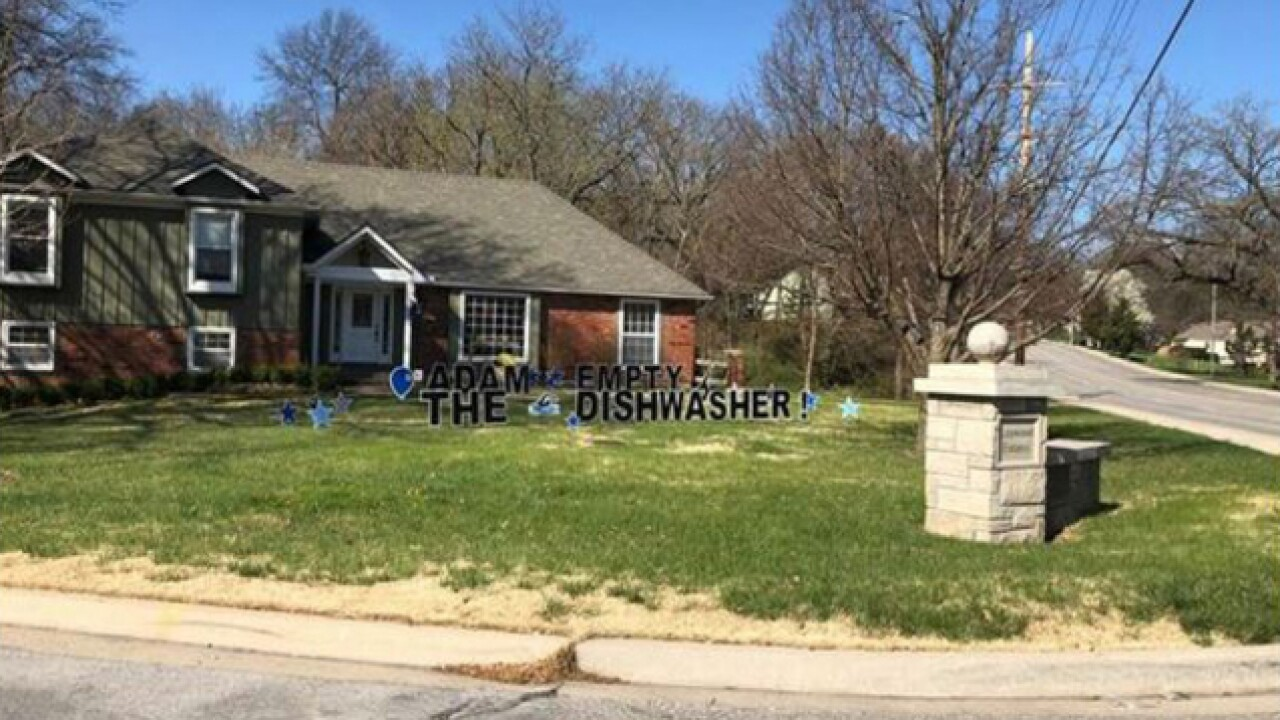 Leawood housemates post sign telling roommate to empty dishwasher