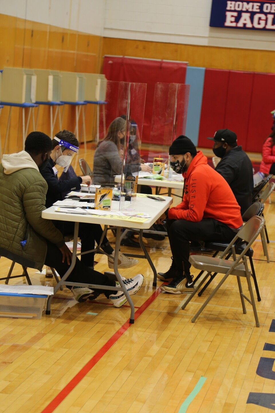 Registering to vote at Milwaukee Marshall HS.JPG