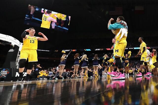PHOTOS: Michigan beats Loyola in Final Four