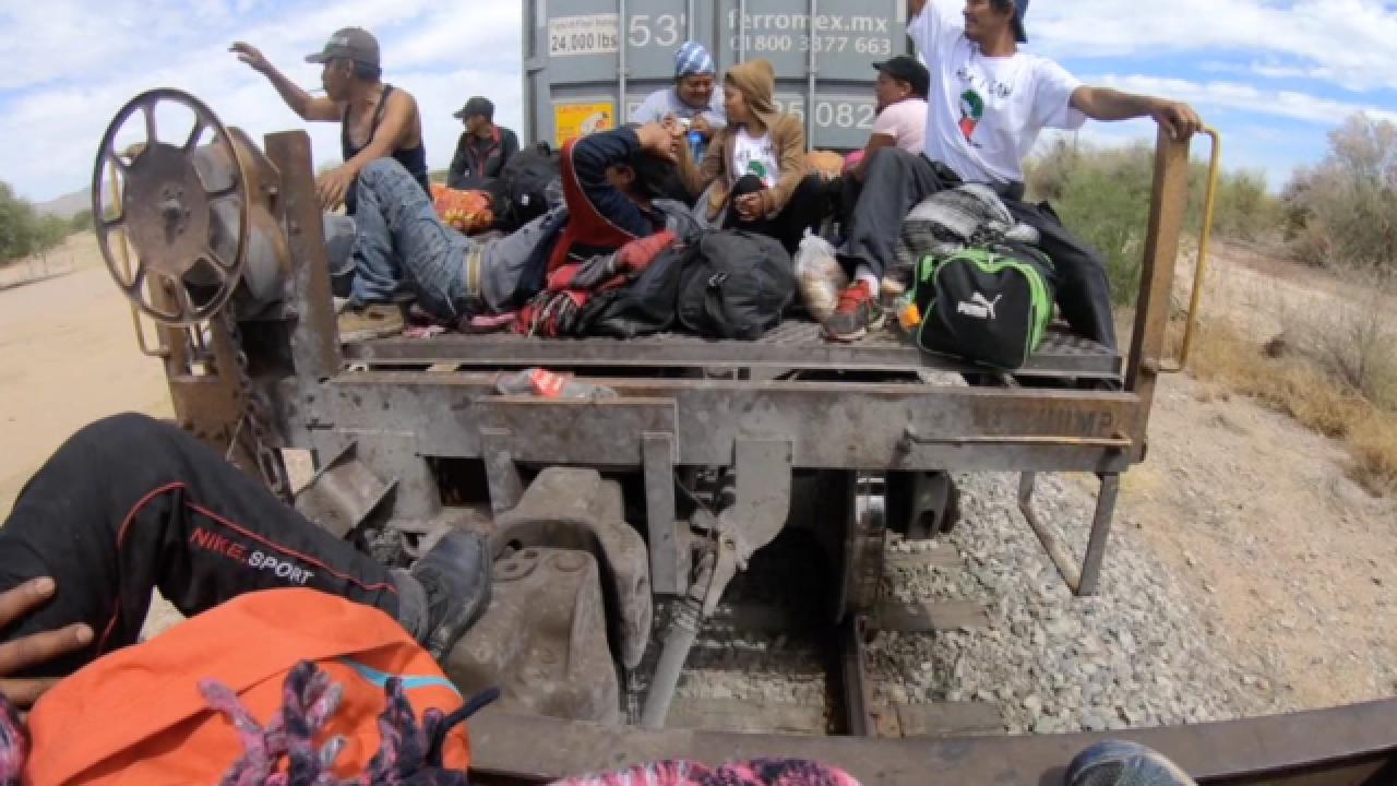 Hundreds of migrants reach Tijuana