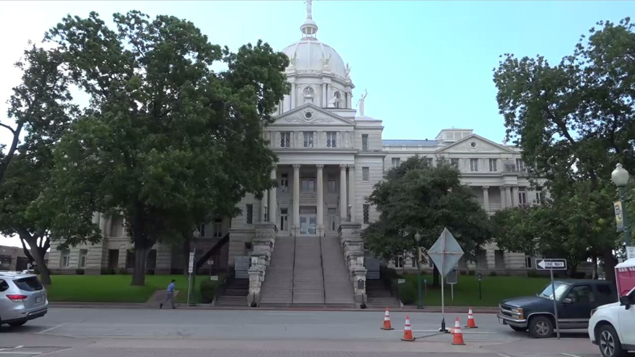 mclennan courthouse.JPG