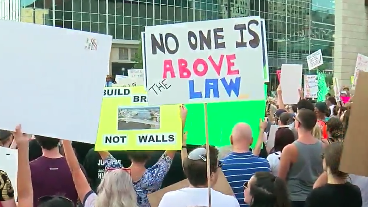 Trump_rally_protesters_080119.png
