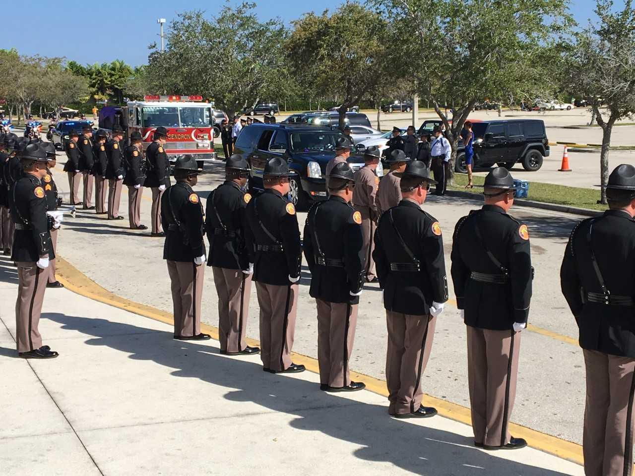 Hinton procession arrival 1.jpg