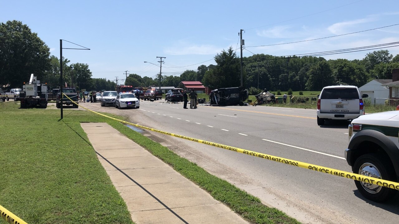 Petersburg Police investigate multi-vehicle accident