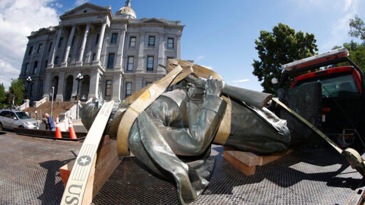 Civil War monument, r m