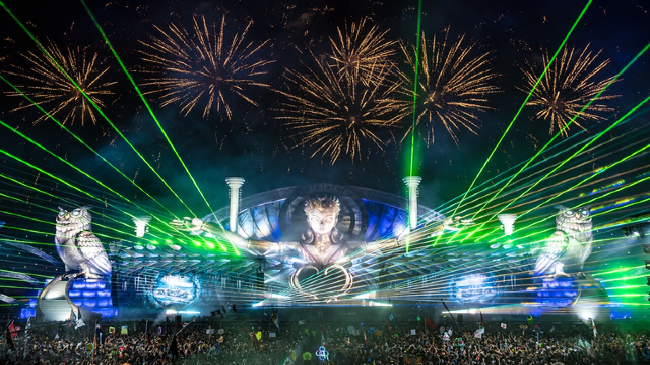 PHOTOS: Day 2 of EDC