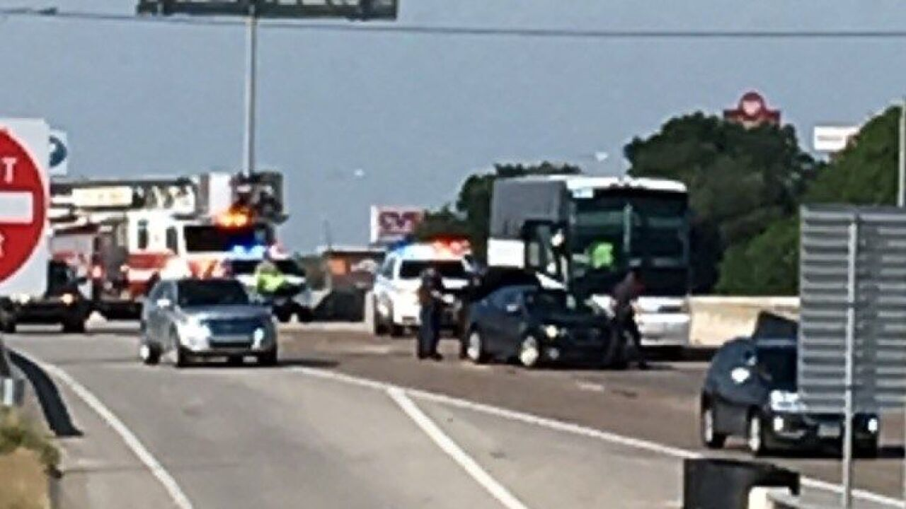 Area cleared after bus crash on I-35 in Waco