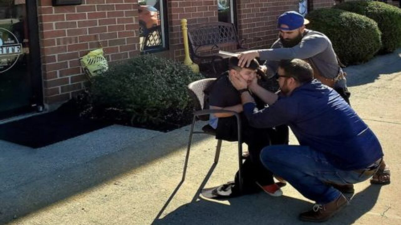 This Barber Moved His Chair Outside For An Overwhelmed Boy With Autism