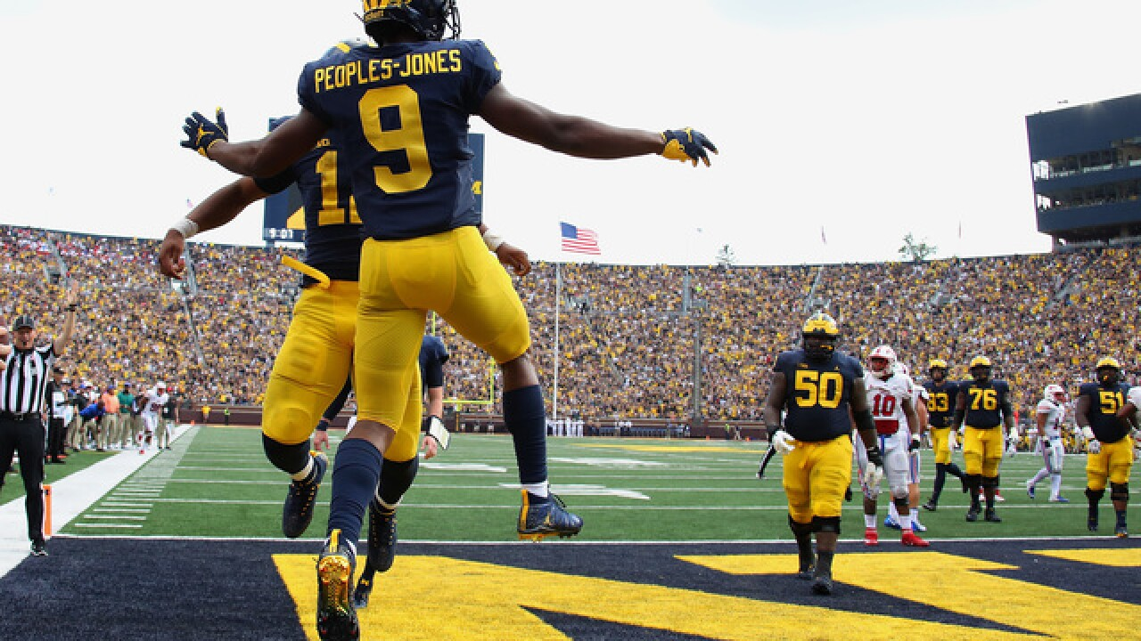 Michigan stays put at No. 19, MSU moves up to No. 24 in AP Top 25 poll