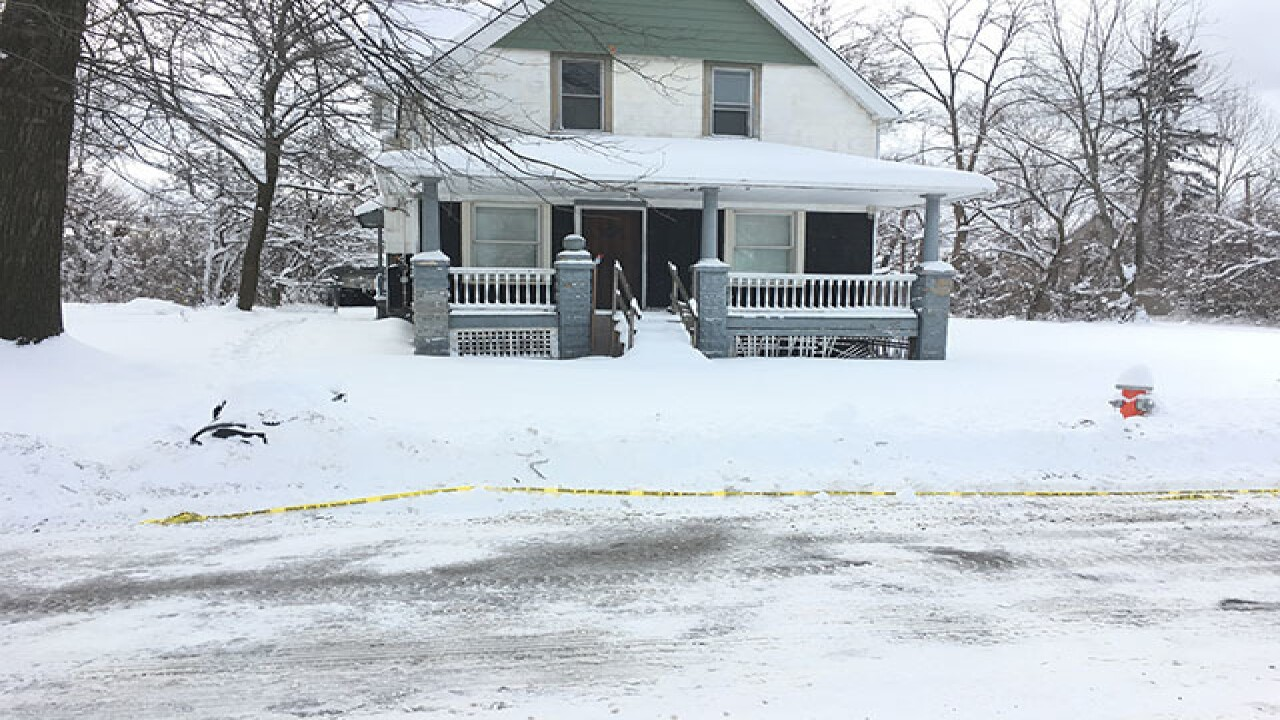Police find female body in vacant house