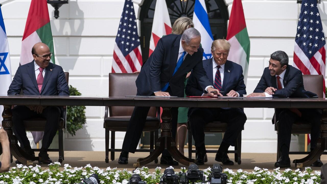 Donald Trump,Benjamin Netanyahu,Khalid bin Ahmed Al Khalifa,Abdullah bin Zayed al-Nahyan