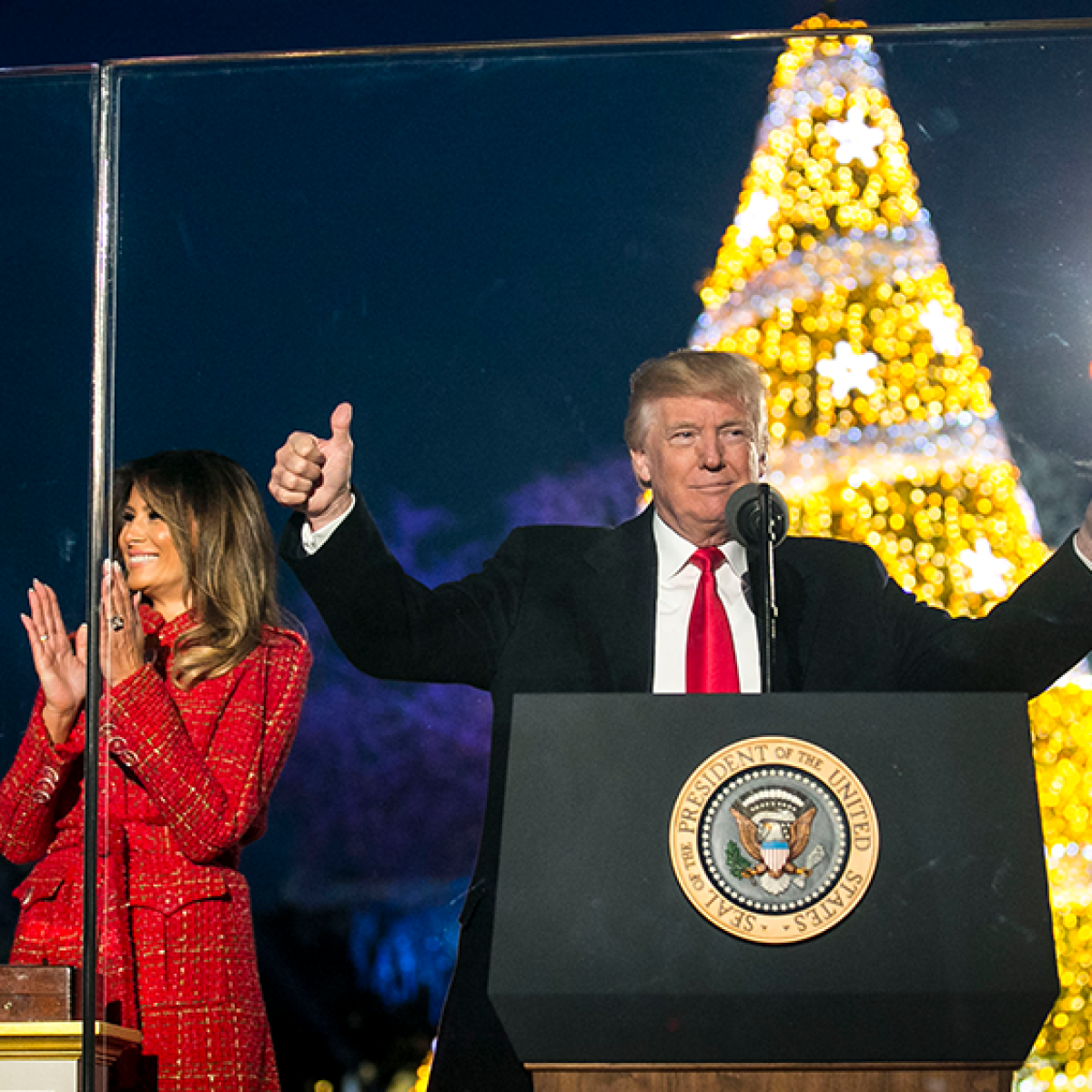 Trump gifts federal employees with a day off on Christmas Eve