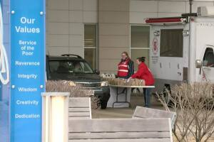 Hospital workers receives free meals