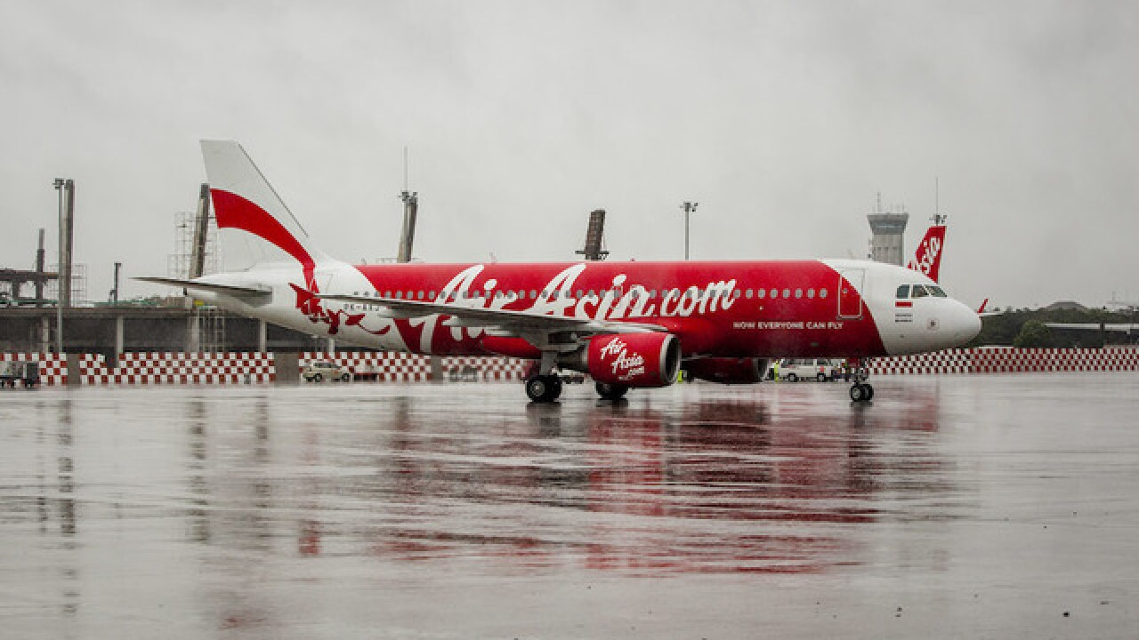 AirAsia staff accused of 'screaming' as flight plummets 20,000 feet