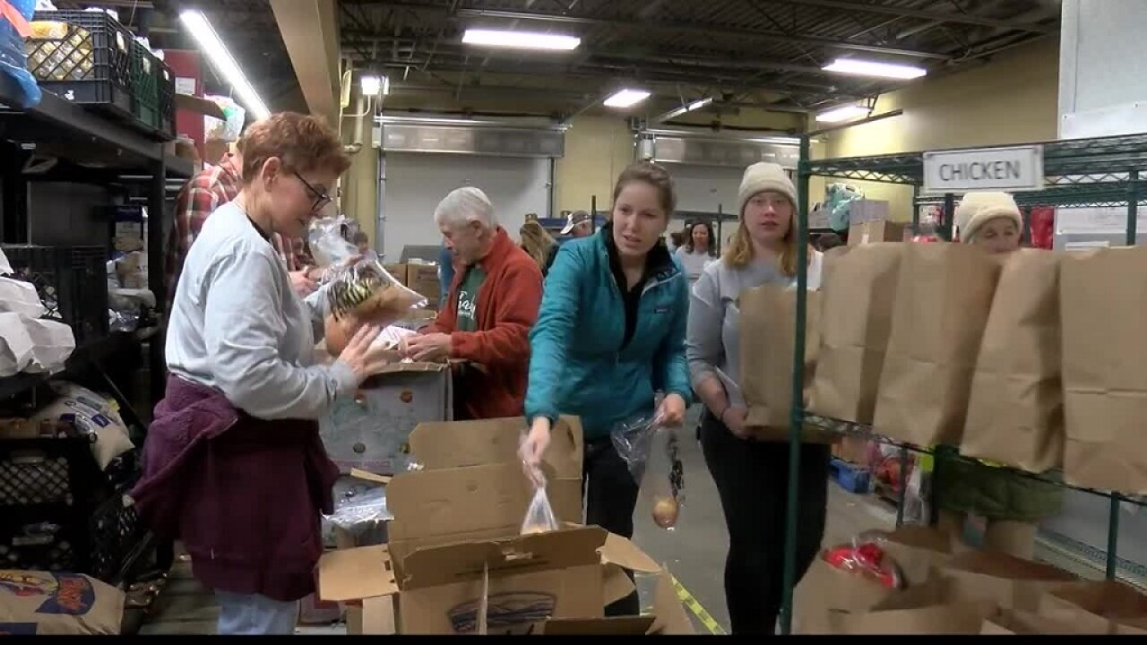 Missoula Food Bank distributes Thanksgiving meals