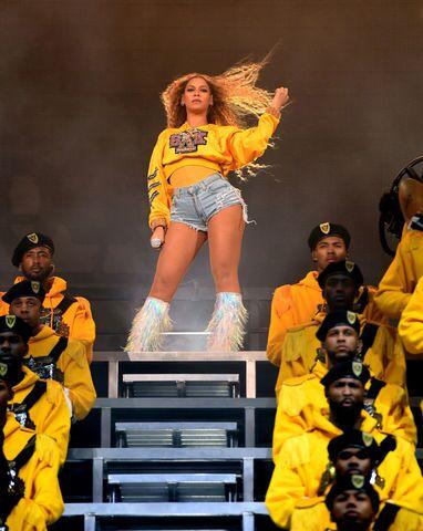 Beyonce stuns Coachella crowd