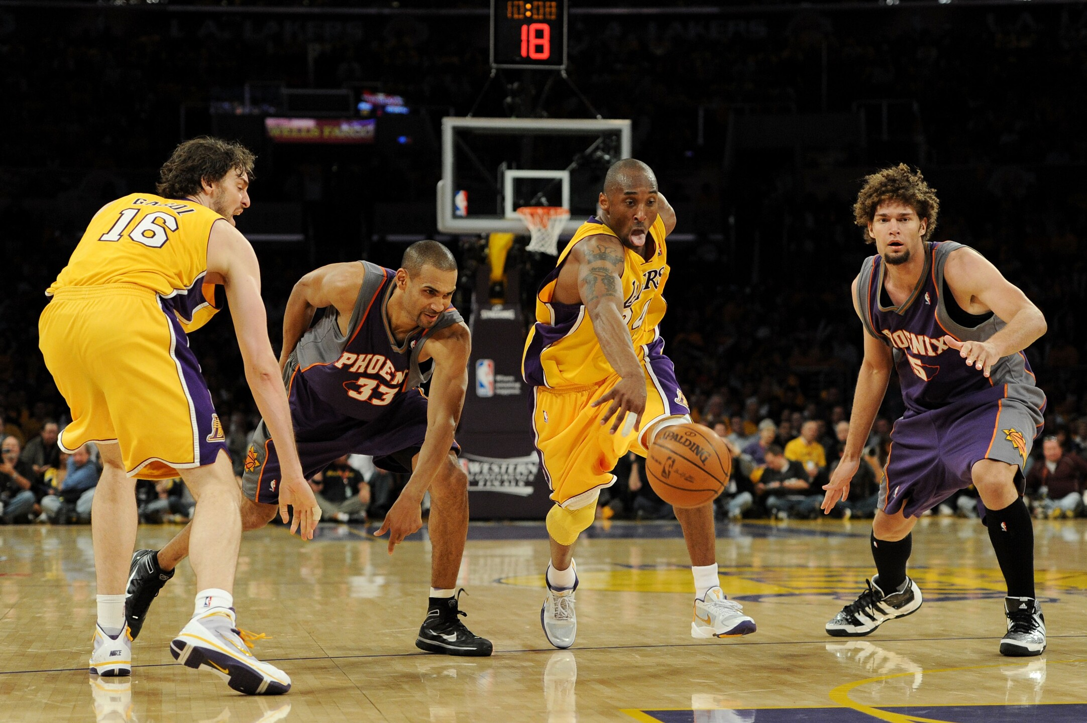 Phoenix Suns v Los Angeles Lakers, Game 1