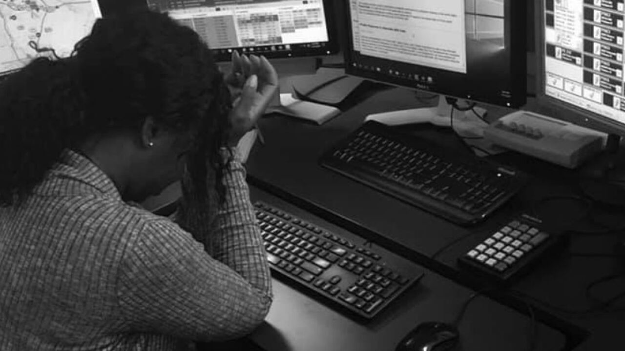 911 dispatcher's post goes viral for 'telling their truth'