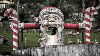 Look inside an abandoned Santa theme park in Brazil